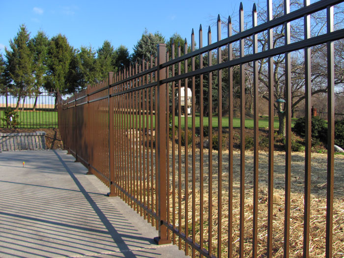 Speckled Walnut Aluminum Fence