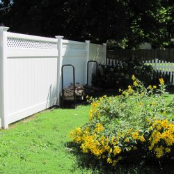 Georgetown White Vinyl Privacy Fence