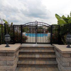 aluminum estate gate and pool fence