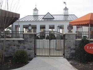 bronze aluminum fence gate for entrances