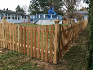 Red Cedar Concave wooden Picket fence