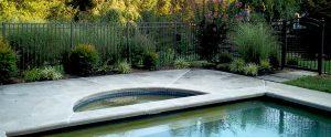 aluminum fence around pool