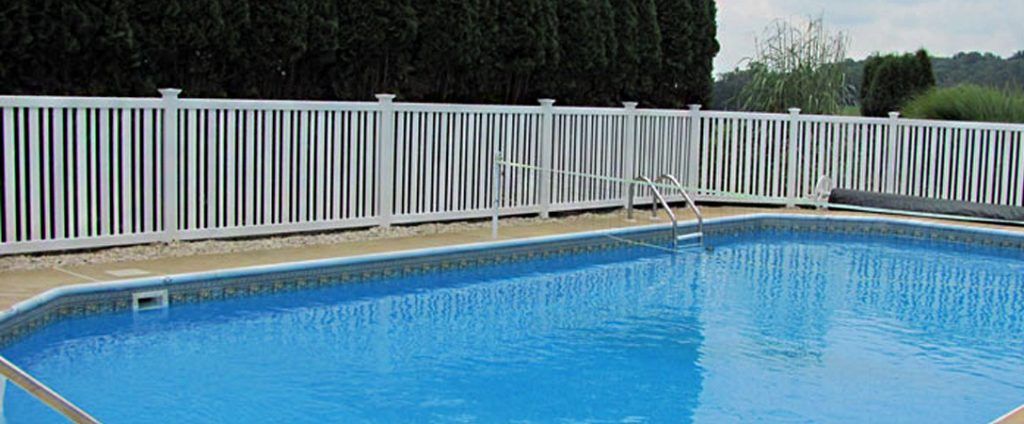white vinyl privacy fence around pool