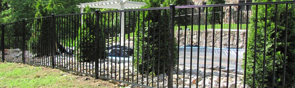 Flat top aluminum backyard fence for kids