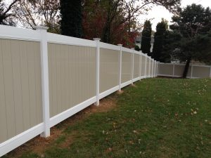 white and tan vinyl privacy fence ideas