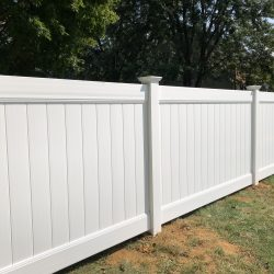 white-vinyl-fencing