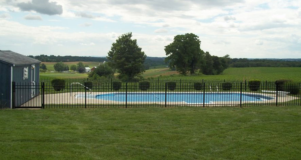 Pool fence made of aluminum material