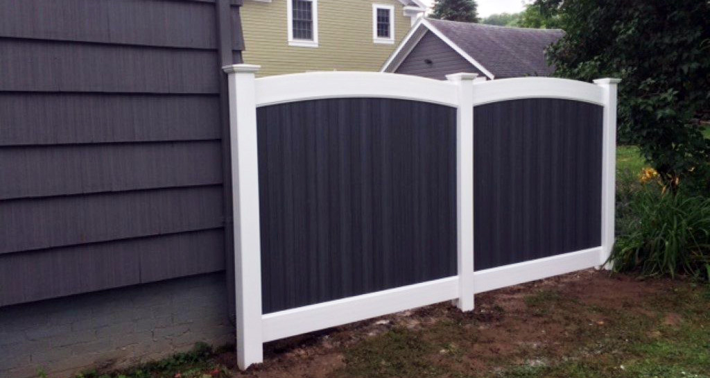 Upscale vinyl fencing in Chester County, PA