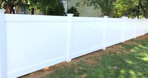 Popular vinyl backyard fence for security