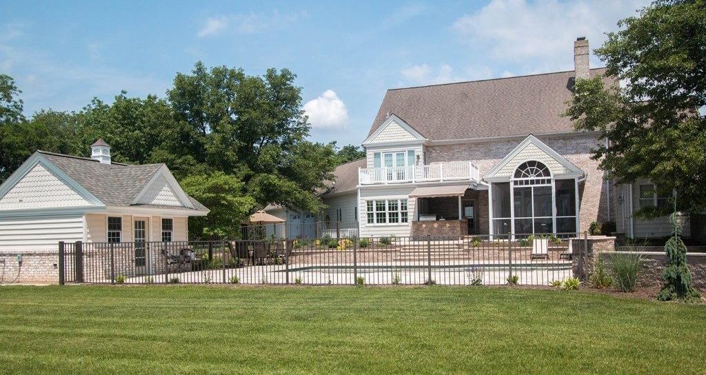 Regis aluminum fencing backyard
