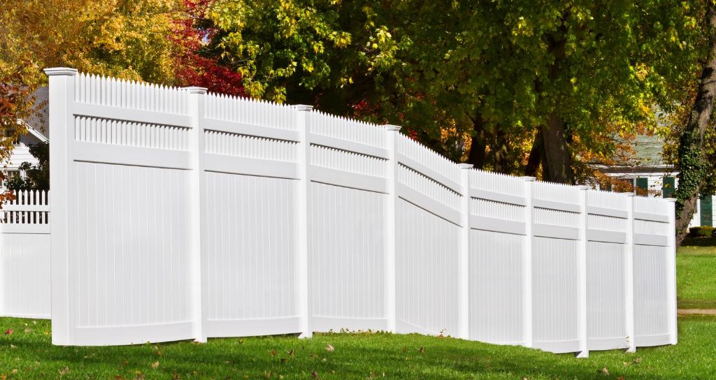 Buying vinyl fence for backyard fence