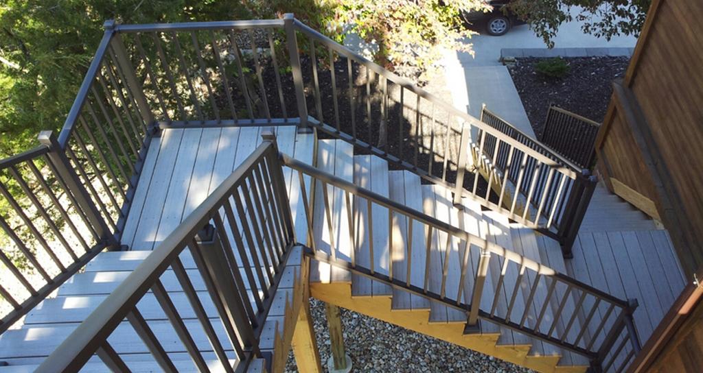 strong aluminum deck railing