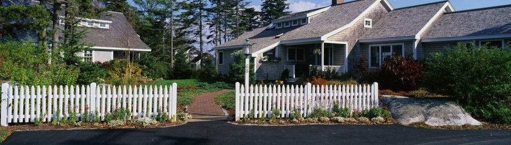 Beautiful fence ideas for large property