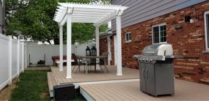 Backyard pergola kitchen ideas