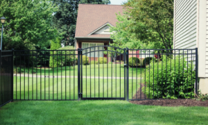 Aluminum fence and gate installation