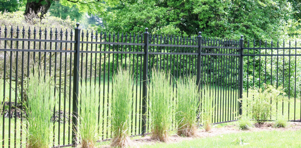 Tall aluminum fence for privacy