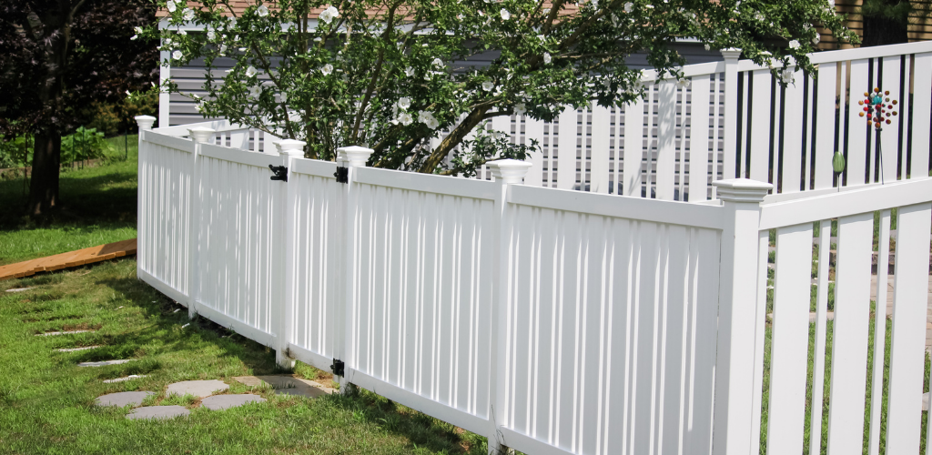 Best Fence Installation with Vinyl Fencing