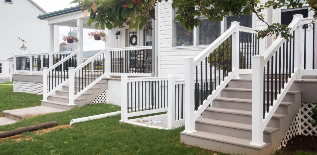 Black and white vinyl porch railing style